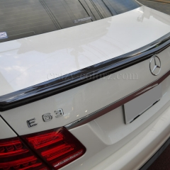 E63-AMGトランクスポイラーカーボンラッピング